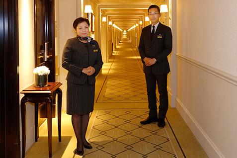 東京ステーションホテル 森 マリーアントワネットさん(左)と大塚 友則さん(右)