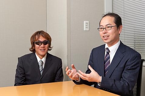 対談するお2人(左:高橋さん 右:大原さん)
